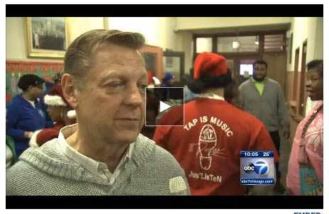 christmas-dinner-homeless-elderly-pastor-pfleger-2013