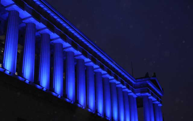 soldier-field-lit-blue-for-peace-mlk-day-2014-640402