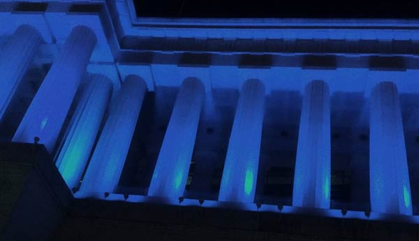 soldier-field--lit-up-for-blue-2015-sm