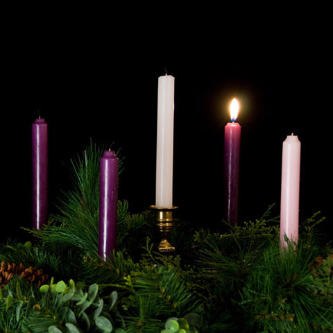 http://www.saintsabina.org/images/events/advent-candles/Advent-Wreath-1-candle-lit.jpg